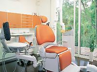 多喜歯科診療所の個室診療室